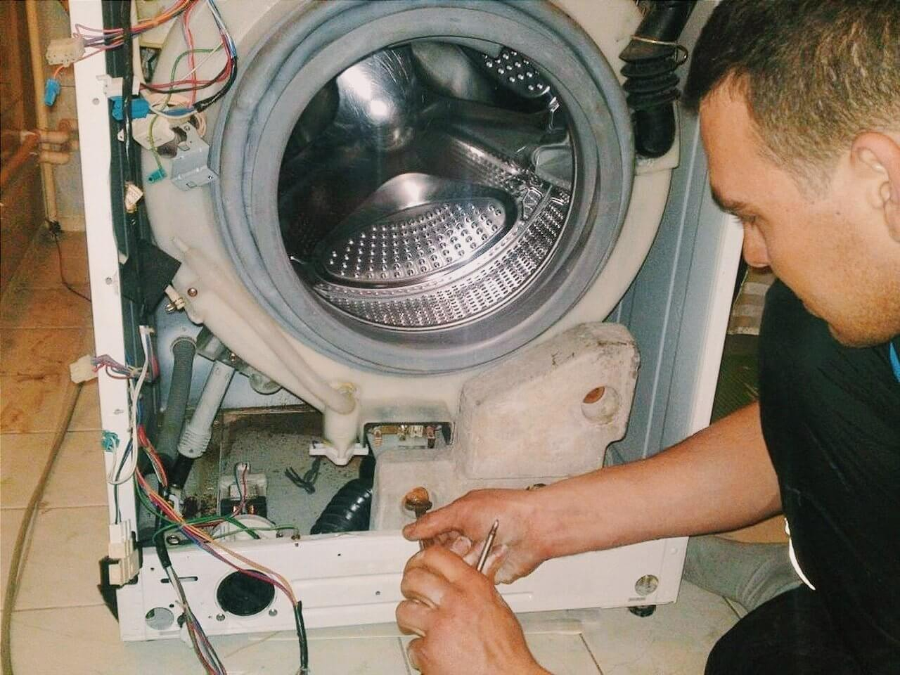 Не работает стиральная машина